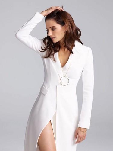 스타나 카틱 바탕화면 entitled Stana Katic for Elle Spain