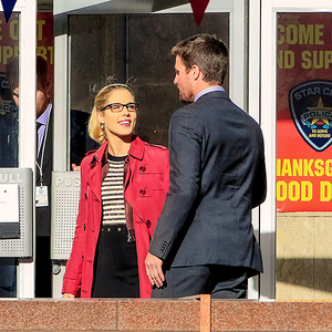 "Stephen Amell and Emily Bett Rickards on the set of Arrow's ""Thanksgiving"" 6x07"