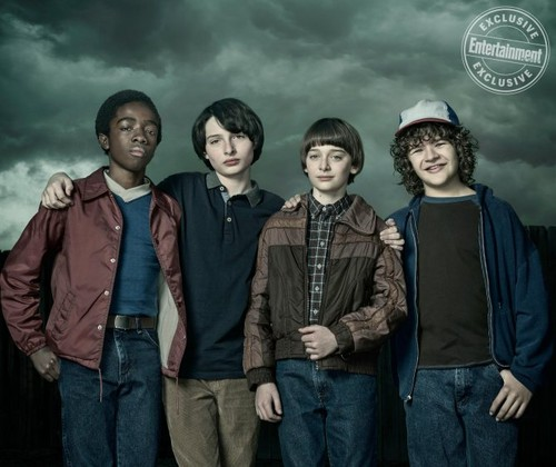Stranger Things achtergrond entitled Stranger Things Season 2 Official Picture
