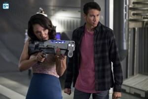 The Flash - Episode 4.02 - Mixed Signals - Promo Pics