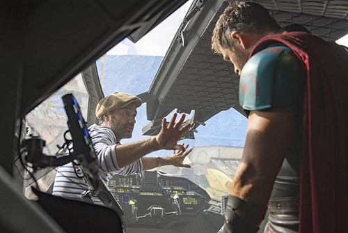Thor: Ragnarok 바탕화면 titled Thor Ragnarok - Behind the Scene
