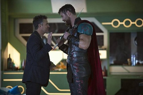 Thor: Ragnarok वॉलपेपर called Thor Ragnarok - Behind the Scene