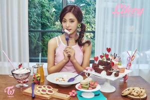 """Tzuyu teaser image for """"Likey"""""""