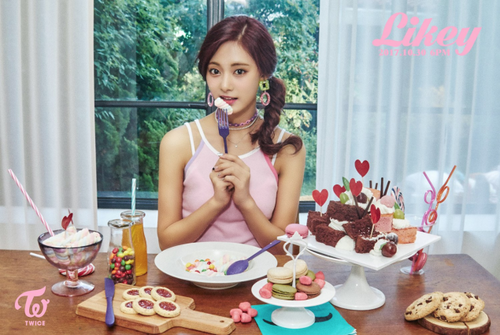 "Twice (JYP Ent) achtergrond called Tzuyu teaser image for ""Likey"""