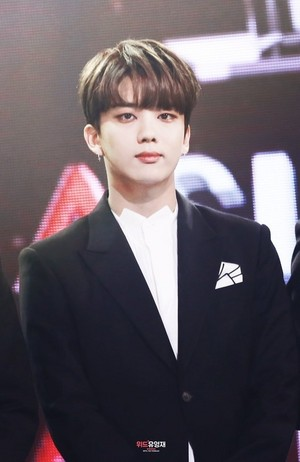 Youngjae💝