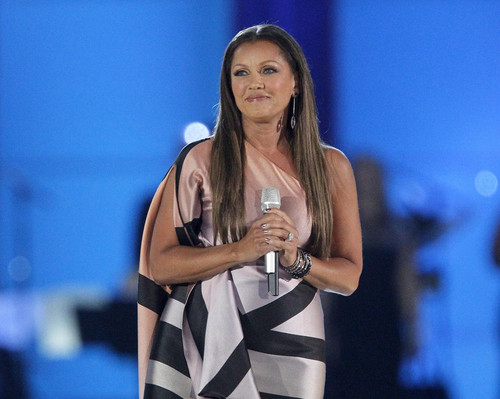 Vanessa Williams achtergrond titled 2016 Miss America Pageant