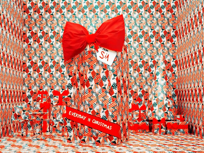 Sia Christmas.Everyday Is Christmas Promo Pic Sia Wallpaper 40868630