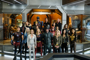 /citizen cold with various arrowverse cast members
