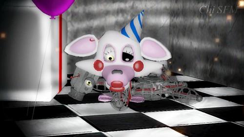 Five Nights at Freddy's achtergrond entitled sfm fnaf mangle broken sad door chisfm01 daf5nnc