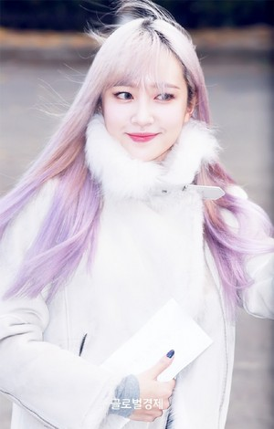 171110 EXID Hani On The Way to संगीत Bank