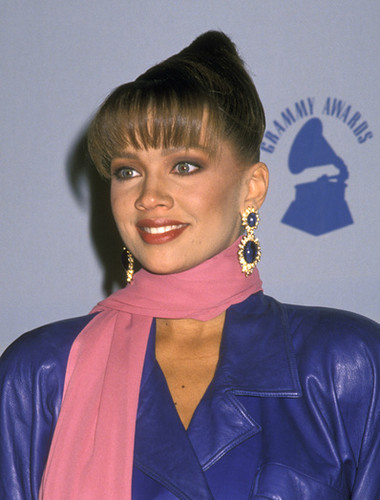 Vanessa Williams achtergrond titled 1989 Grammy Awards