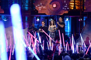 2016 MTV Movie Awards - دکھائیں (April 9, 2016)