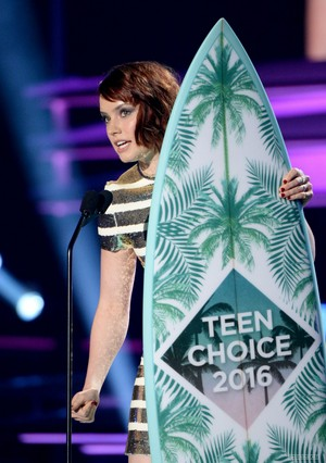 2016 Teen Choice Awards - دکھائیں (July 31, 2016)