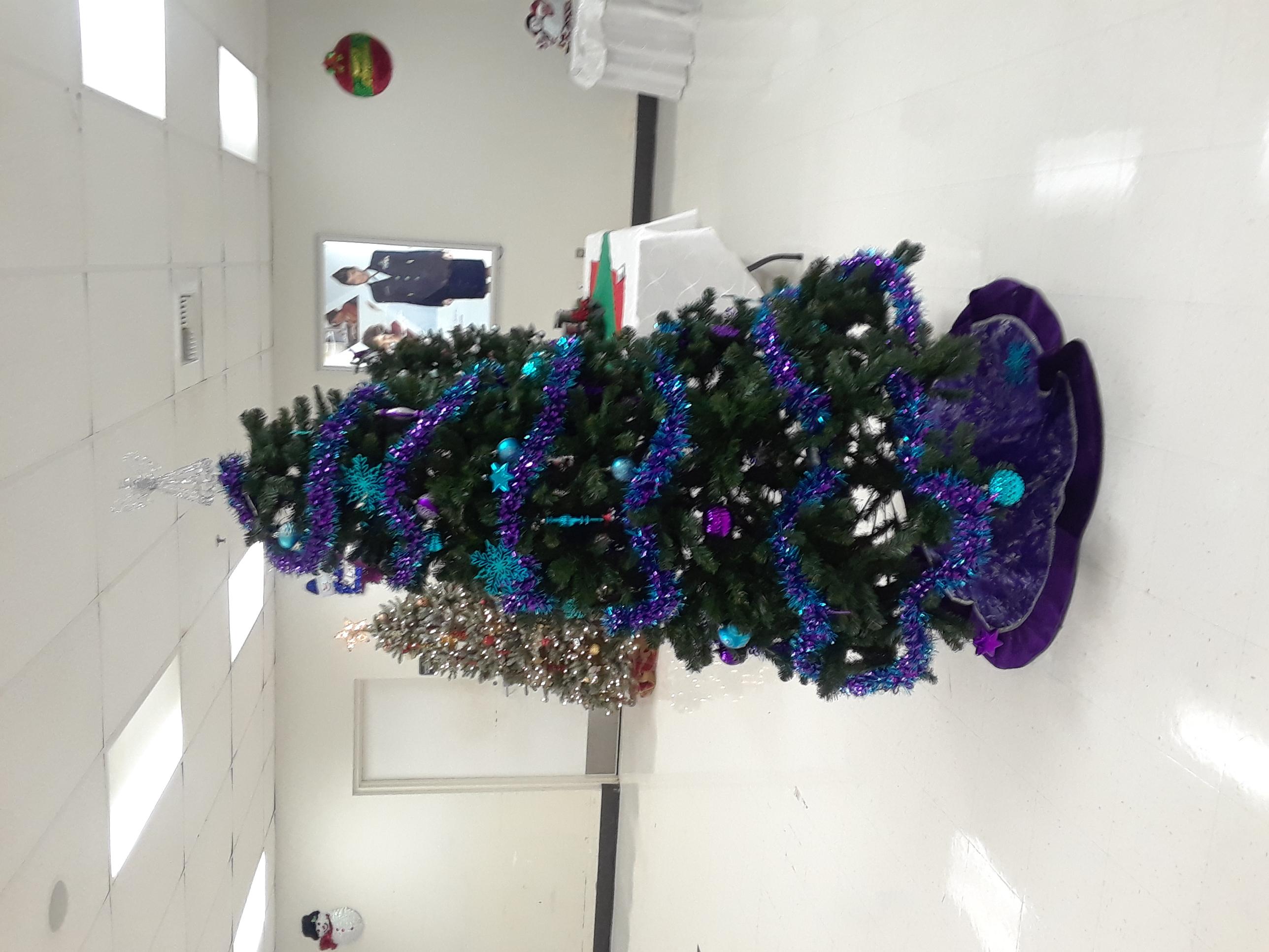 A cute Christmas tree 🎄💙💜
