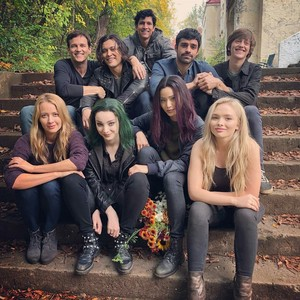 Amy Acker and The Gifted Cast