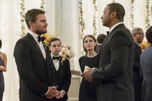 """Arrow 6x09 - """"Irreconcilable Differences"""" promotional stills"""