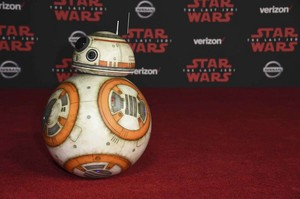 BB8 attending TLJ World Premiere