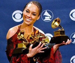 Backstage At The 2002 Grammy Awards