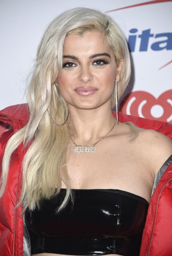 Bebe Rexha 壁纸 entitled Bebe Rexha at iheartradio jingle ball 2017