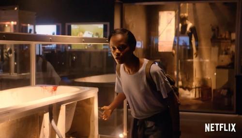 "Black Mirror karatasi la kupamba ukuta called Black Mirror Season 4 ""Black Museum"" First Look"