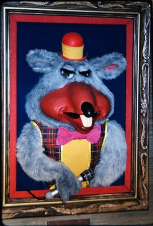 Chuck E. Cheese 1st Gen Portrait Animatronic (1977)