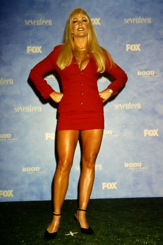 Former WWE Diva... Debra achtergrond entitled Debra @ Teen Choice Awards 1999