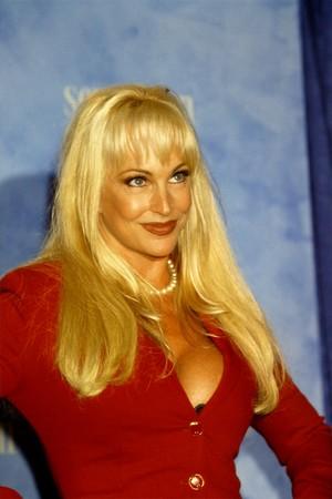 Debra @ Teen Choice Awards 1999