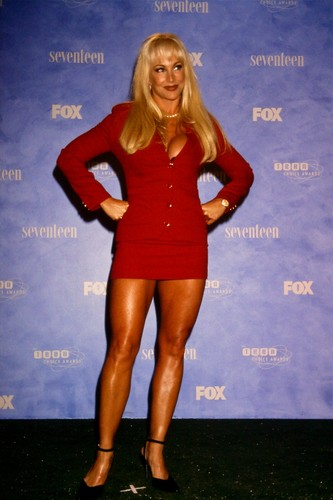 Former WWE Diva... Debra achtergrond called Debra @ Teen Choice Awards 1999
