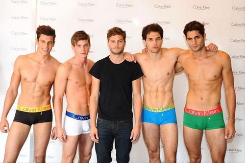 Beautiful Boys پیپر وال called Jamie Dornan & Calvin Klein Male Models
