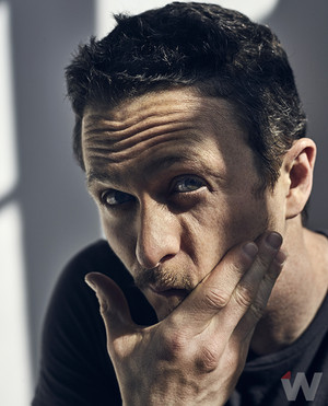 Jonathan Tucker - The membungkus, bungkus Photoshoot - 2016