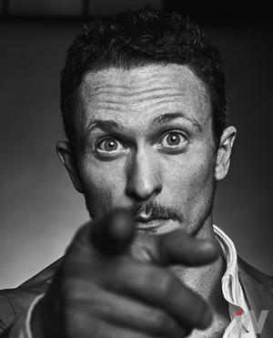 Jonathan Tucker - The 덮개, 랩 Photoshoot - 2016
