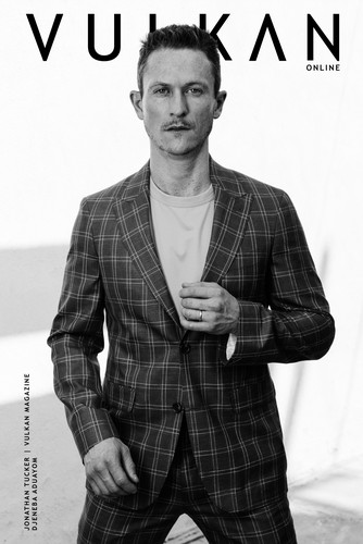 Jonathan Tucker wallpaper entitled Jonathan Tucker - Vulkan Cover - 2017