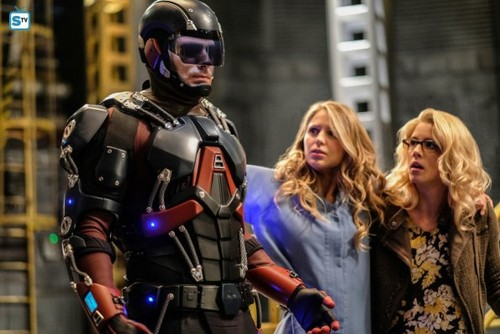 DC's Legends of Tomorrow wallpaper titled Legends of Tomorrow - Episode 3.08 - Crisis on Earth X, Part 4 - Promo Pics