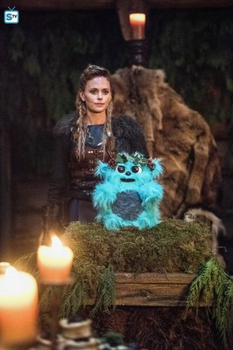 DC's Legends of Tomorrow fondo de pantalla entitled Legends of Tomorrow - Episode 3.09 - Beebo the God of War - Promo Pics
