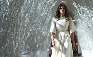 Melania Previews White House navidad Decorations - November 27, 2017