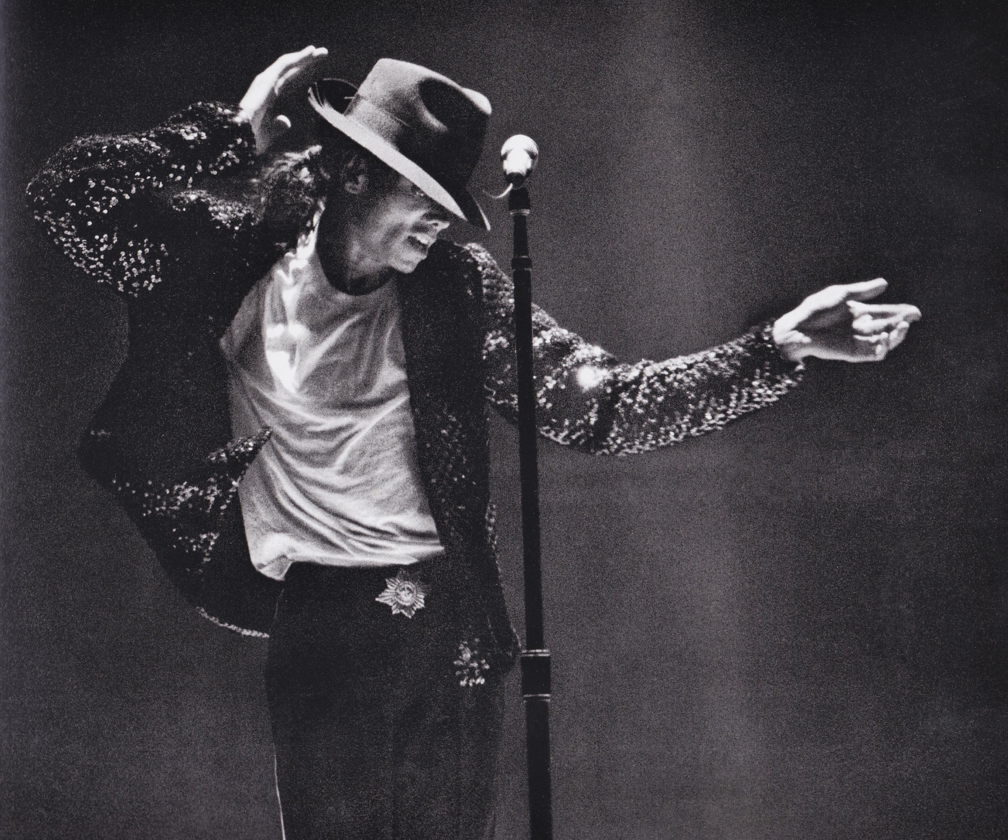 Michael Jackson - HQ Scan - Bad Tour