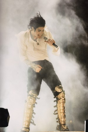 Michael Jackson - HQ Scan - HIStory Tour