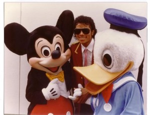 Michael Jackson With Mickey And Donald