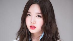 Nayeon 04