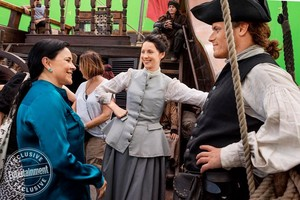 Outlander Season 3 Behind the Scenes with লেখক Diana Gabaldon