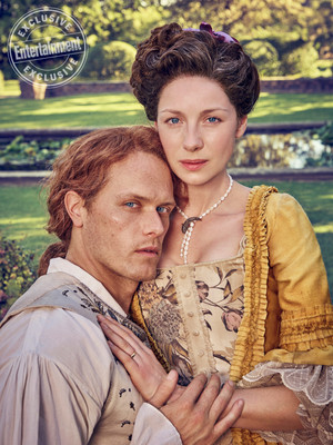 Outlander Season 3 Claire and Jamie Fraser at Entertainment Weekly Photoshoot