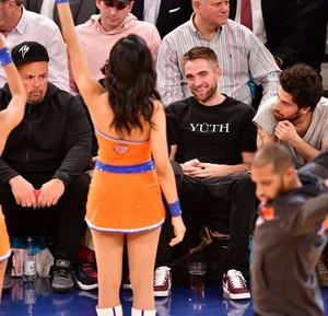 Rob at a NY Knicks баскетбол game