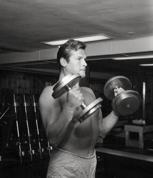 Roger Pumping Iron