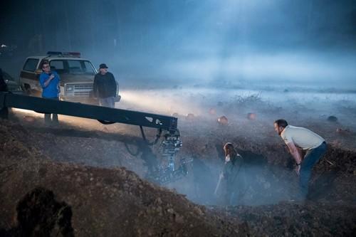 Stranger Things fondo de pantalla entitled Stranger Things Season 2 Behind the Scenes
