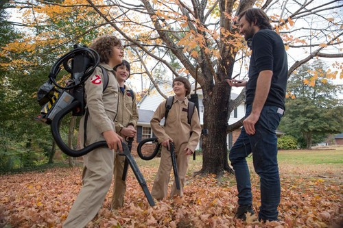 Stranger Things achtergrond called Stranger Things Season 2 Behind the Scenes