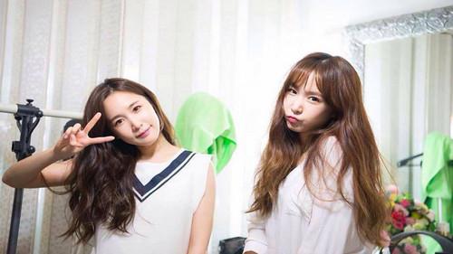 Twice (JYP Ent) wolpeyper called Twins 01
