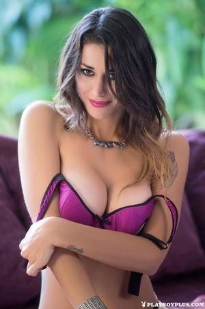 Vanessa Alvar 001
