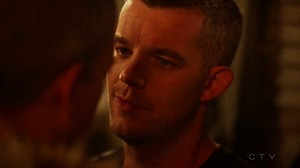 Wentworth Miller and Russell Tovey share a किस on The Flash