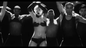applause (music video)