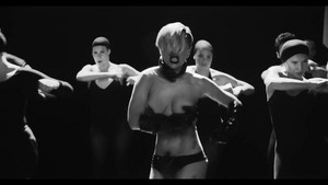 applause (music video)